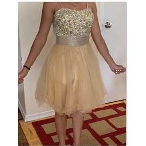 Dresses & Skirts - Formal dress